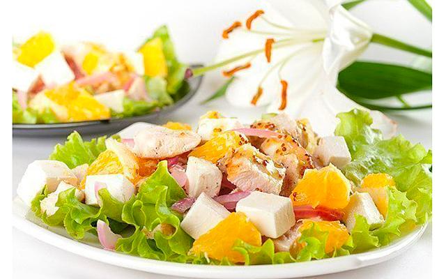 salat-s-kuricei-apelsinom